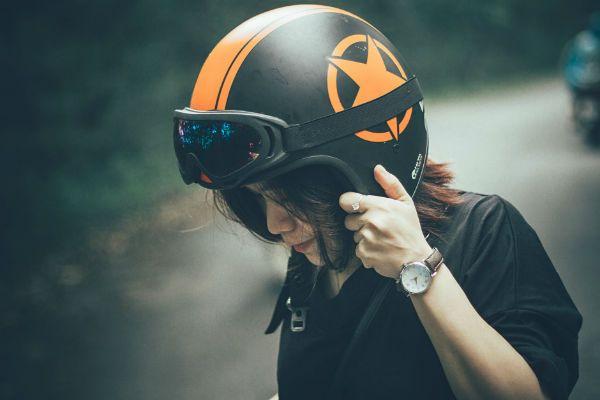 Casco y equipamiento para motos
